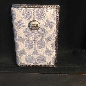 Coach silver leather grey signature Fold wallet